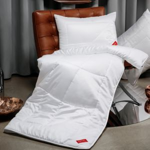Lyocell mittelwarme Bettdecke KlimaControl Comfort GD light von Hefel - das Kissen ist nicht im Lieferumfang enthalten