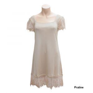 Kurzarm Seidennachthemd Pure de Luxe aus Seidenjersey mit Spitze von Gattina beige