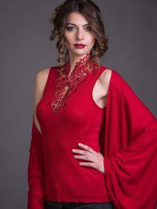 Merinowolle-Seide Shirt Top mit schweizer Spitze von Artimaglia rot - das Tuch ist nicht im Lieferumfang enthalten