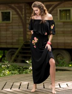 Seide Nachtkleid Eris mit Blumen-Stickerei von Marjolaine