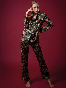 Seide Pyjama WINTER FLOWERS grün-bunt von Chiara Fiorini