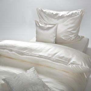 Natur-weiße Seiden-Bettwäsche Helios Natur (kombiniert mit Zierkissen Veronique - nicht enthalten)