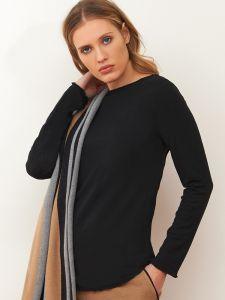 Langarm Shirt aus Wolle Viscose schwarz von Chiara Fiorini - der Schal und die Hose sind nicht im Lieferumfang enthalten