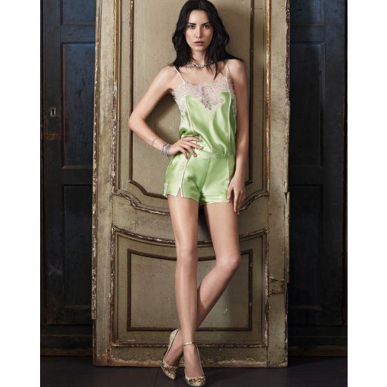 Sommerpyjama aus apfelgrüner Seide mit Spitze von Luna di Seta