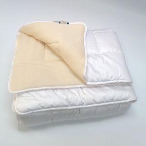 Mittelwarme Schafwolle Uno Bettdecke von Billerbeck