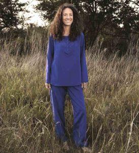 Langer Reiseschlafanzug aus Seide mit Mako Baumwolle in blau für Damen von Traveler´s Tree®