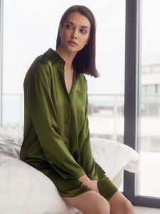 Seide Sleepshirt Seduzione di Seta moosgrün von Gattina